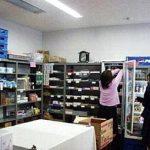 【購買】 文房具・食べ物・ジュース・デザートをはじめ、 校章やブラウスなど、 学校生活に必要なものは ほとんど置いてあります!!
